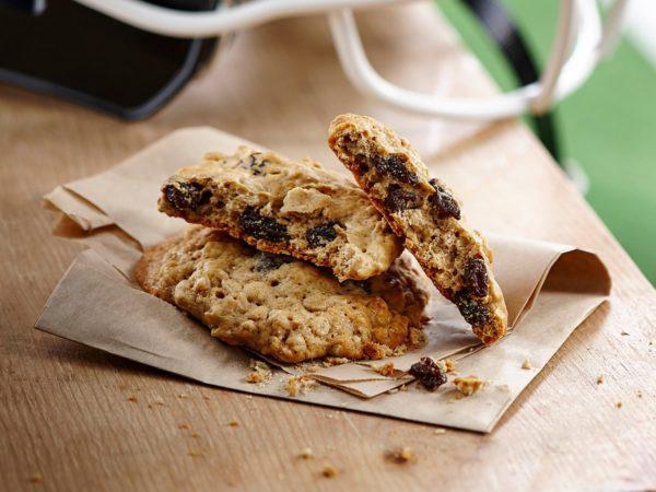 Recipe — Maple Raisin Oatmeal Cookies