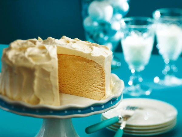Recipe — Maple Pavlova Cake