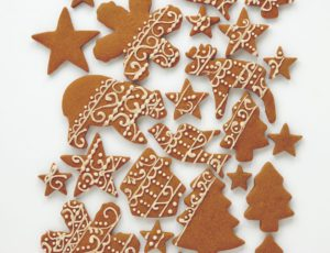 Christmas Shortbread Cookies with Maple Lacing