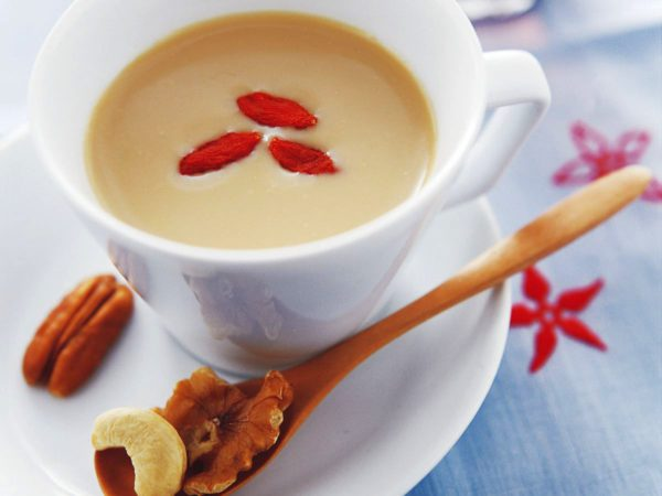Recipe — Oolong Milk Tea with Maple Syrup