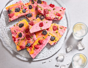 Maple-Strawberry Yogourt Bark